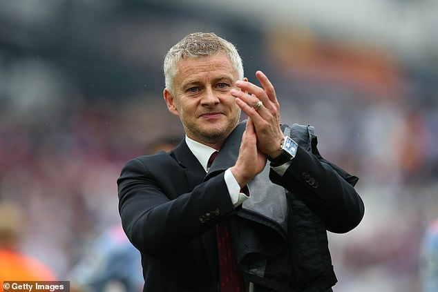 Ole Gunnar Solskjaer praises Lingard for taking a knee after his mistake and taking his chance