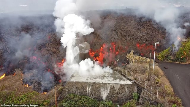 The average height of the lava flow has been 20ft - the height of a two-storey hours - meaning that any buildings in its way have been easily swallowed up