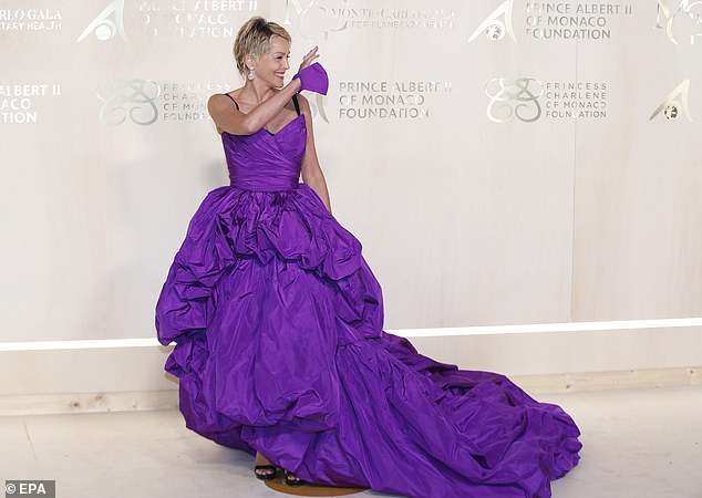 , Victoria Silvstedt looks pretty in pink as she wows in a princess-style ball gown for the, The Today News USA