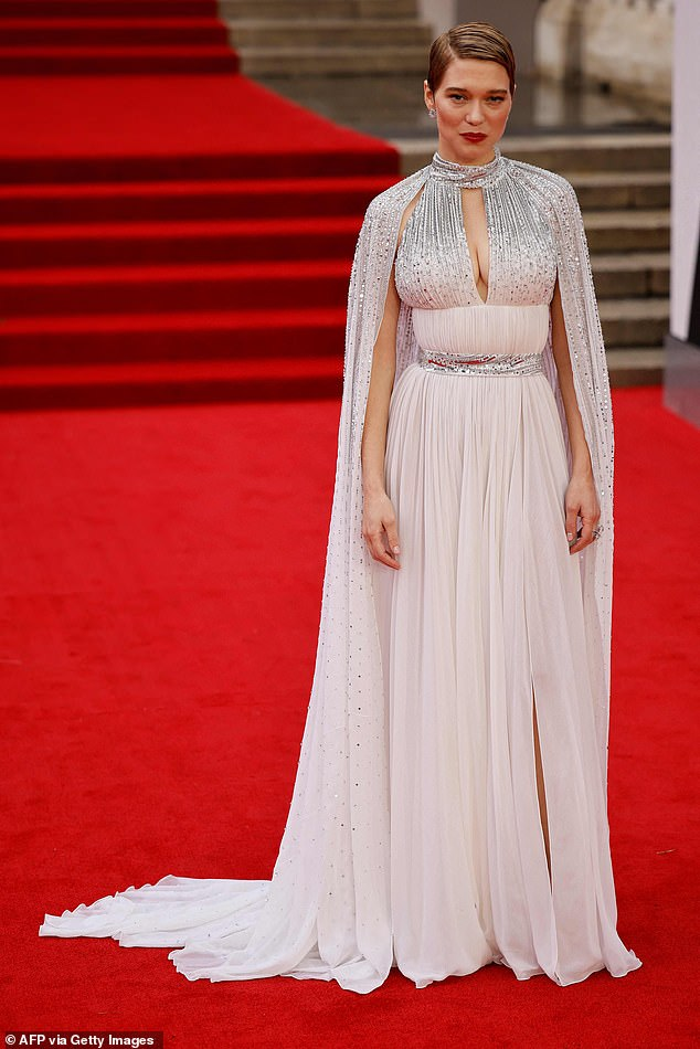 Wow!Lea Seydoux looked incredible as she showcased her ample assets in a busty pink sequined maxi dressat the No Time To Die premiere on Tuesday in London