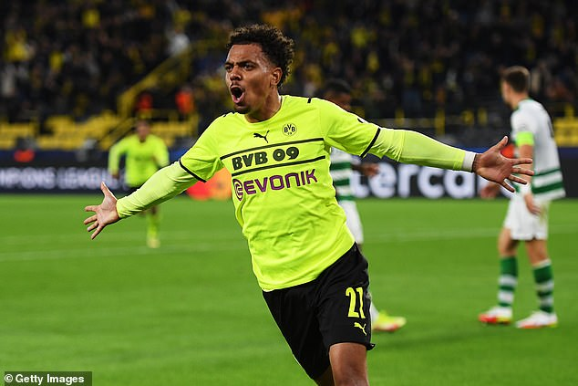 Donyell Malen scored his first goal for Borussia Dortmund at the 10th attempt