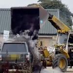 Eco-warriors dump three tonnes of compost over Jeremy Clarkson's Range Rover 💥👩💥