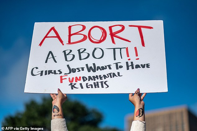 , Alyssa Milano speaks up at pro-choice rally and claims the Supreme Court is 'packed with abusers', Nzuchi Times National News
