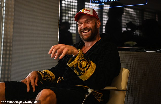 Tyson Fury says he's zipping up his trousers before his fight with Deontay Wilder