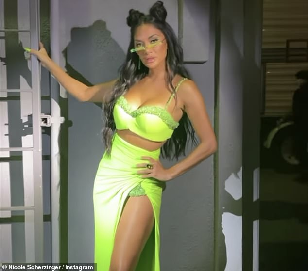 , Nicole Scherzinger sizzles in neon green in behind-the-scenes snaps from The Masked Singer US, The Today News USA