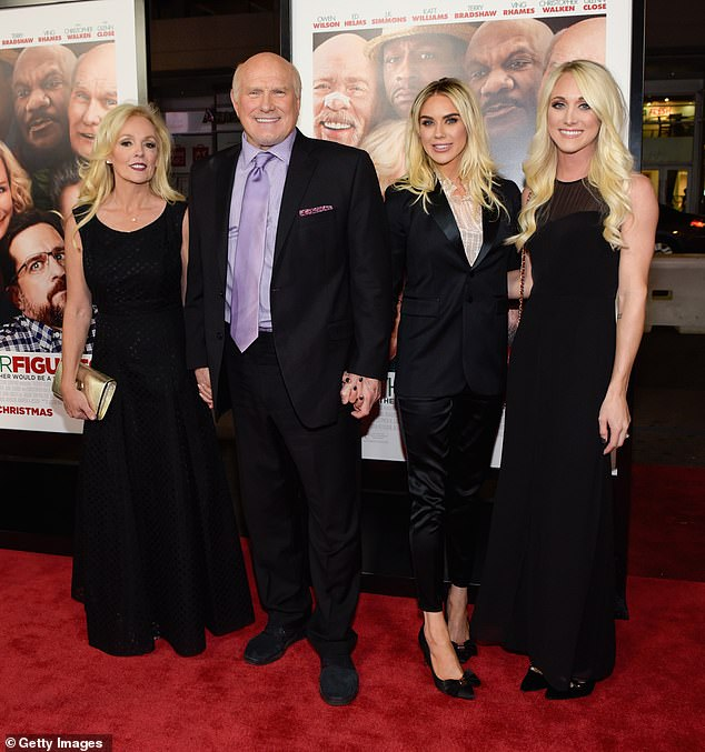 , Terry Bradshaw and wife Tammy renew their wedding vows in Hawaii… after seven years of marriage, The Today News USA