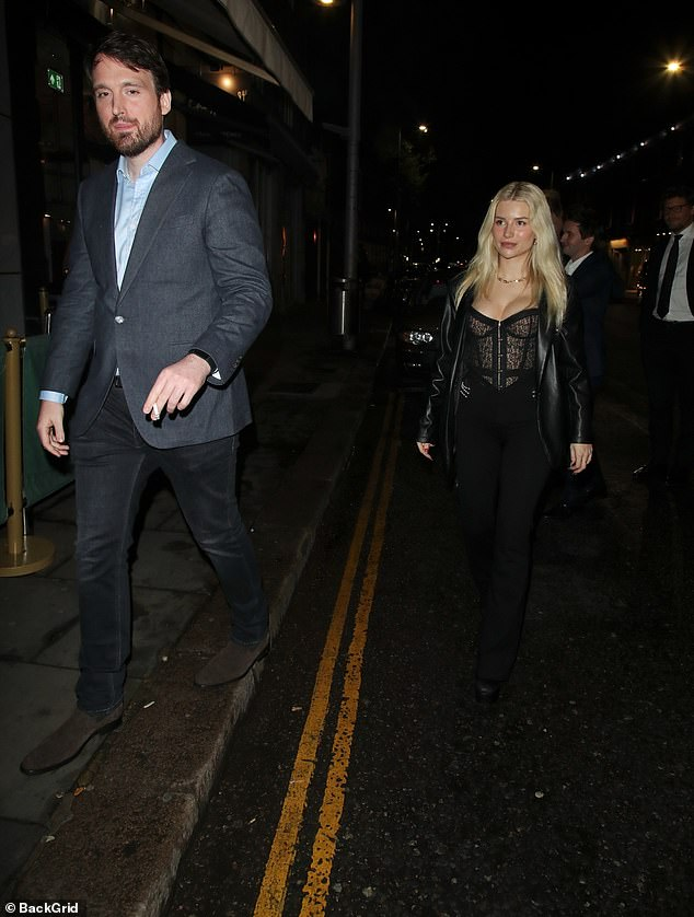 , Lottie Moss looks beautiful in black as she heads for a night atRaffles alongside Fraser Carruthers, The Today News USA