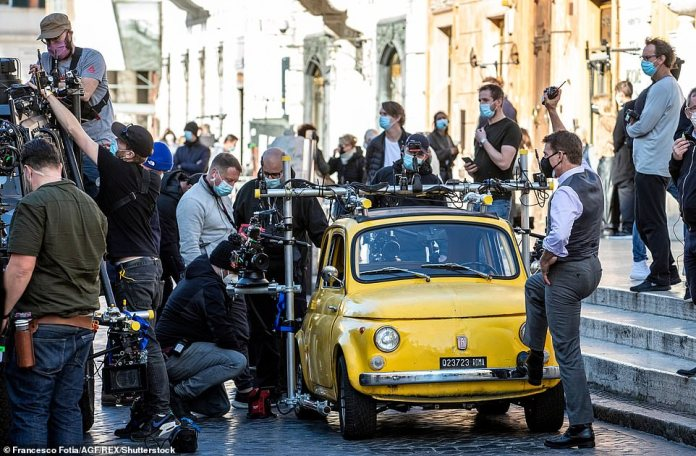 During Frank's stay, Tom Cruise was filming a car chase for Mission Impossible 7 from the Colosseum to the Spanish Steps