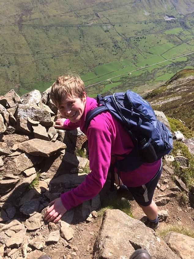 In the picture, 43-year-old Sean Griffith from Anglesey, North Wales, led an active lifestyle until she was hit by COVID-19 on 19 May.
