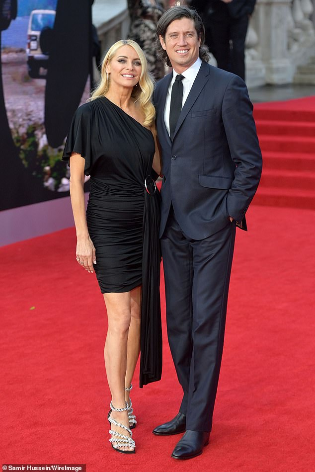 , Strictly Come Dancing: Tess Daly looks stunning in an elegant lilac halterneck gown, The Today News USA