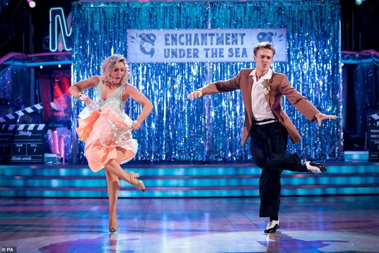 They're back!Tom Fletcher and his dance partner Amy Dowden returned to the dance floor on Saturday night for the Strictly Come Dancing Movie Week special after missing last week's show following their positive Covid tests