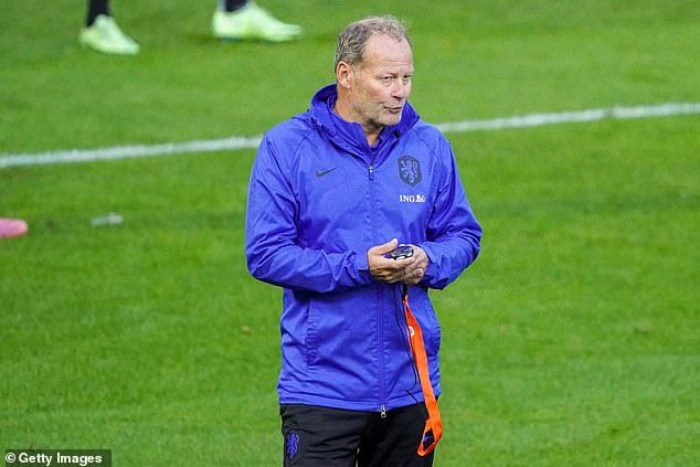 Holland assistant coach has savaged Manchester United's boss for lacking a clear strategy