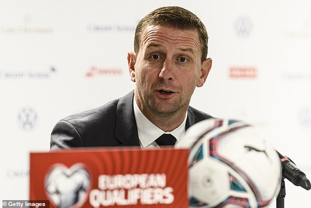 Ian Baraclough must deliver the mother of all pep talks when Northern Ireland face Bulgaria