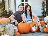 Bachelor Nation's Raven Gates shares gender reveal in fall-themed display