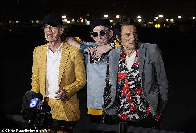 Hollywood: Keith sported his trademark colors, while Ronnie wore a flamboyant shirt with a stunning gray jacket