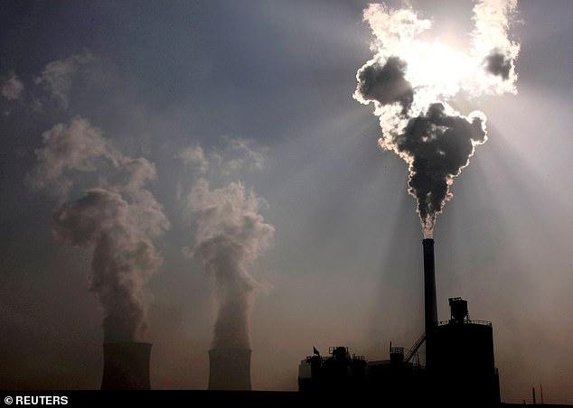 Coal-burning power plant in Baotou, in China's Inner Mongolia Autonomous Region (file photo)