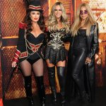 Kyle Richards puts on a busty display at the premiere for Halloween Kills in Hollywood💥👩💥💥👩💥
