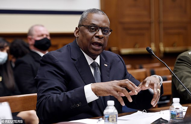 Secretary of Defense Lloyd Austin on August 24 issued an order for all military personnel to be vaccinated, even if they have already recovered from infection
