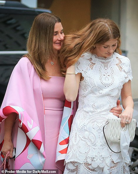 , Gates take Manhattan! Melinda spends quality time with her bride-to-be daughter Jennifer in NYC, The Evepost National News