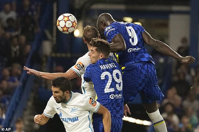 Chelsea beat Zenit St Petersburg in their first group game after Romelu Lukaku's fine header
