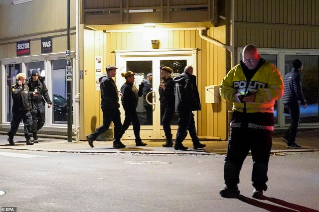 Police officers have secured several crime scenes in the centre of Kongsberg following the shooting around 6:13pm on Wednesday
