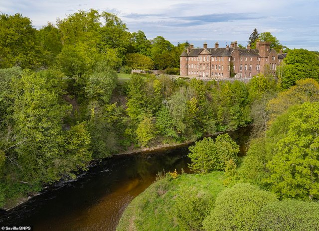 Brechin Castle is home to the Earl and Countess of Dalhousie. The 17th (and current) Earl is chief of Clan Ramsay, descendants of the Maule family, who have lived at Brechin since 1634