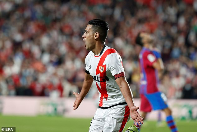 Memphis depay missed a penalty as barcelona lost at rayo vallecano to increase the pressure on ronald koeman. Tqywoczqppgam