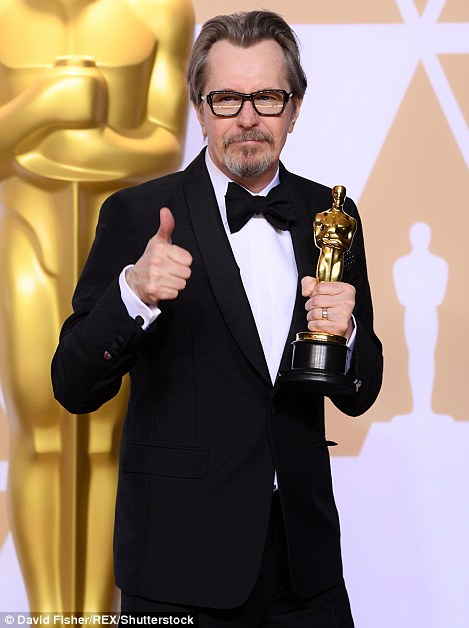 Oscars 2018: Gary Oldman thanks mum after Best Actor win ...