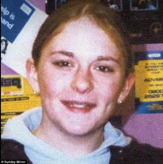 Becky Watson sufrió dos años de abuso sexual a manos de una pandilla de cuidado personal, que comenzó cuando tenía 11 años.