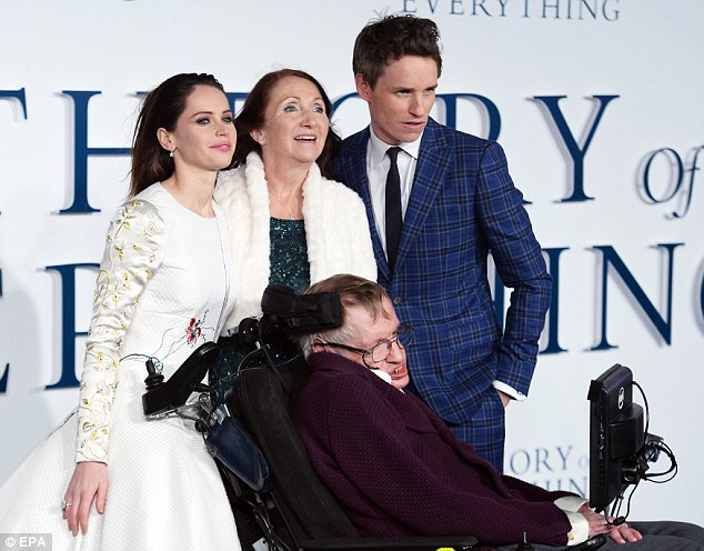 (L-R) British actress Felicity Jones, ex-wife of Stephen Hawking, Jane Wilde Hawking, British physicist Stephen Hawking, and British actor Eddie Redmayne arrive for the UK premiere of 'The Theory of Everything' in Leicester Square in London