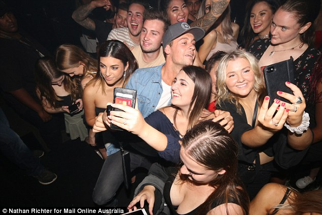 What a time to be alive! During the evening, Ryan barely had a moment to himself as he proved particularly popular with the nightclub's female clientele