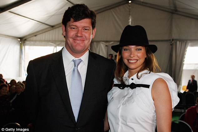 Pictured is Mr Packer with his second wife Eric Baxter in 2008 - the pair separated in 2013