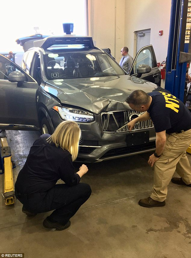 Investigators of the National Transportation Safety Board (NTSB) are investigating the self-propelled Uber vehicle involved in the fatal accident in Tempe