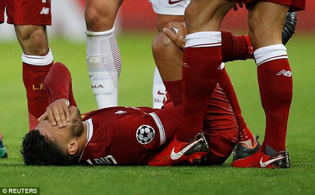 Alex Oxlade-Chamberlain appeared in considerable pain and was forced off in the 17th minute