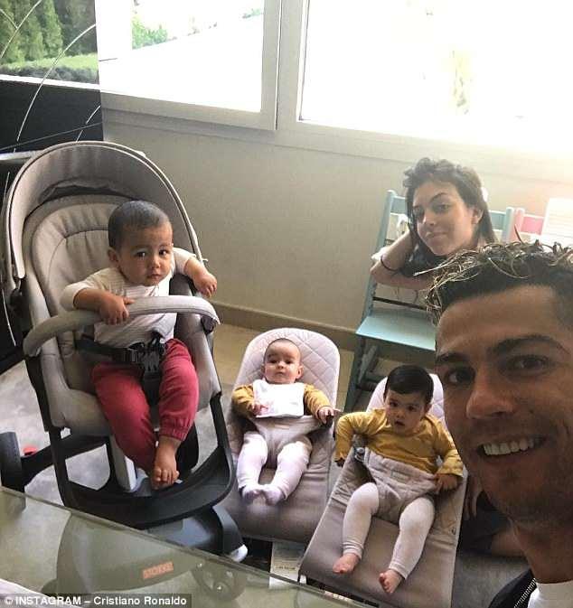 Cristiano Ronaldo's family (L-R): Mateo, Alana Martina, Eva, Georgina Rodriguez, Ronaldo
