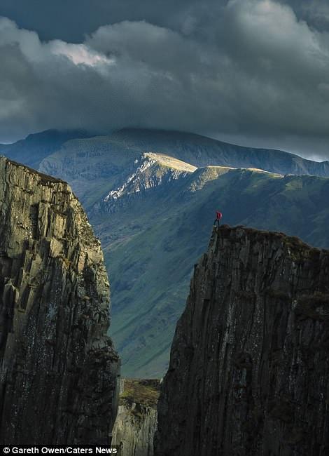 Teetering on the edge of a peak atDinorwic Quarry