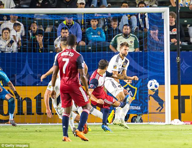 Ryan Hollingshead scored Dallas' first goal, curling the ball inside the post in the 33rd minute