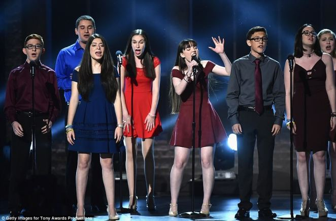 One viewer tweeted: ¿THE PARKLAND KIDS ARE SINGING SEASONS OF LOVE AND WE ARE ALL SOBBING'