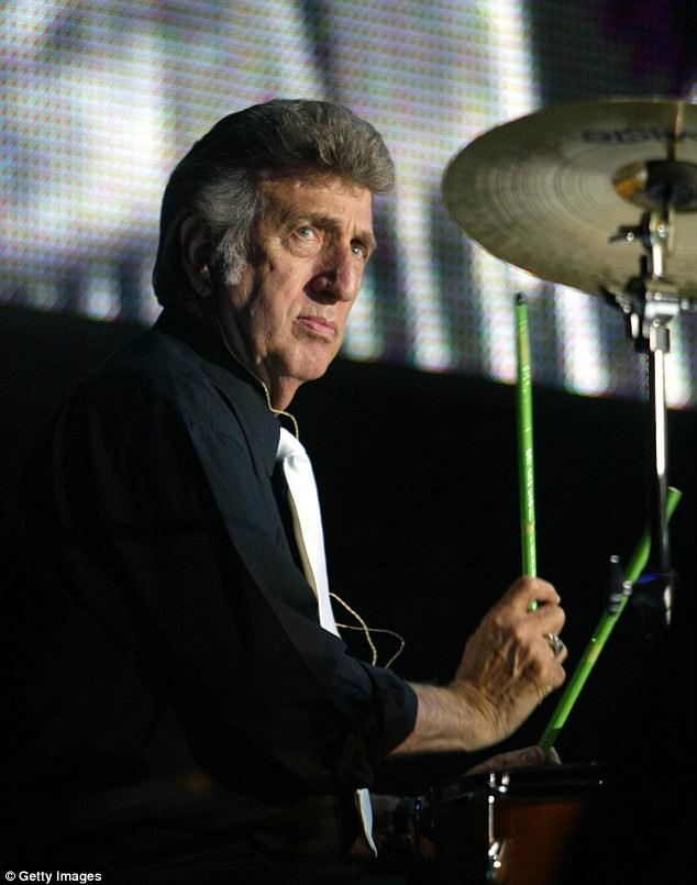 Sad news: Elvis Presley's legendary drummer DJ Fontana has passed away at the age of 87