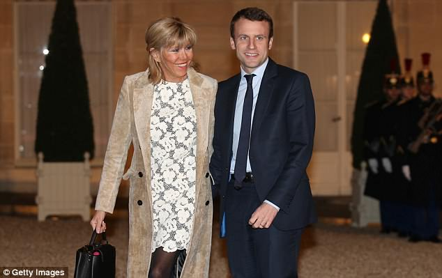 Officials say the 1,200-piece set, chosen by President Emmanuel Macron's wife was purchased because the existing collection was becoming old and was incomplete following years of use