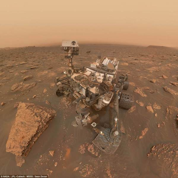 Nasas Curiosity Rover takes selfie in middle of dust
