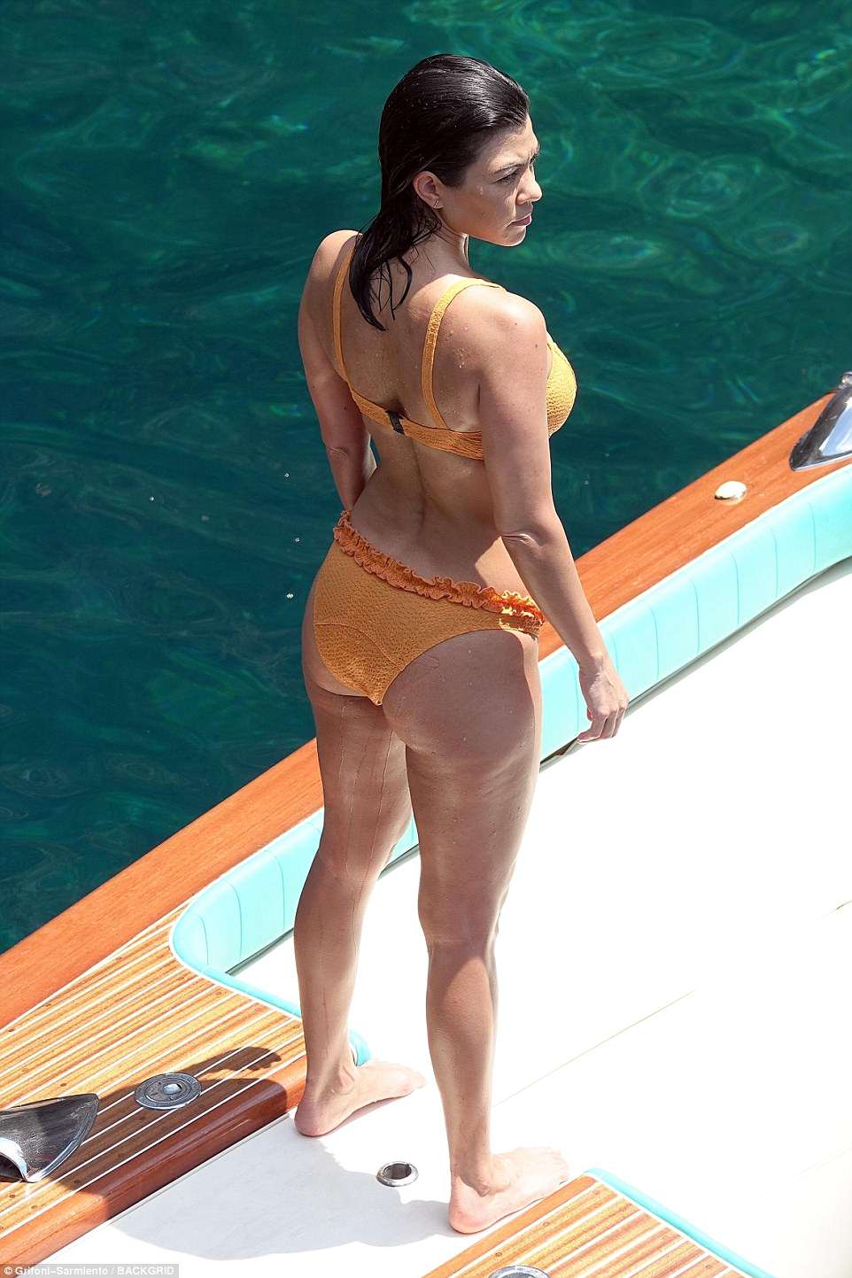 Kourtney Kardashian Enjoys Bikini Break As She Goes