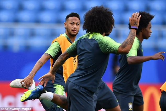 The Brazil striker ditched his blonde locks for a more conservative look in training