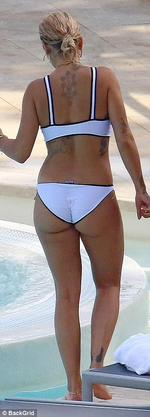 Rita Ora Hot (65 Photos)