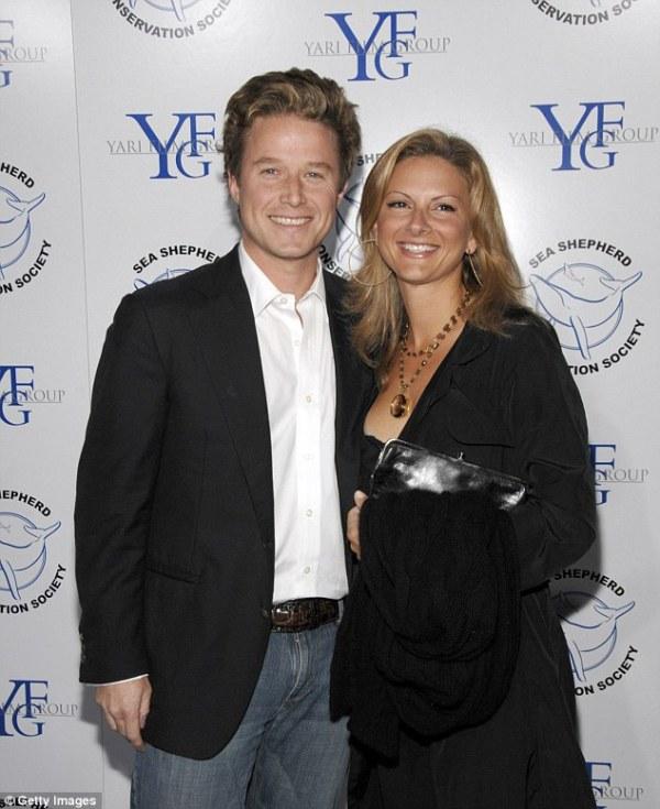 Billy Bush's wife Sydney Davis files for divorce after ...