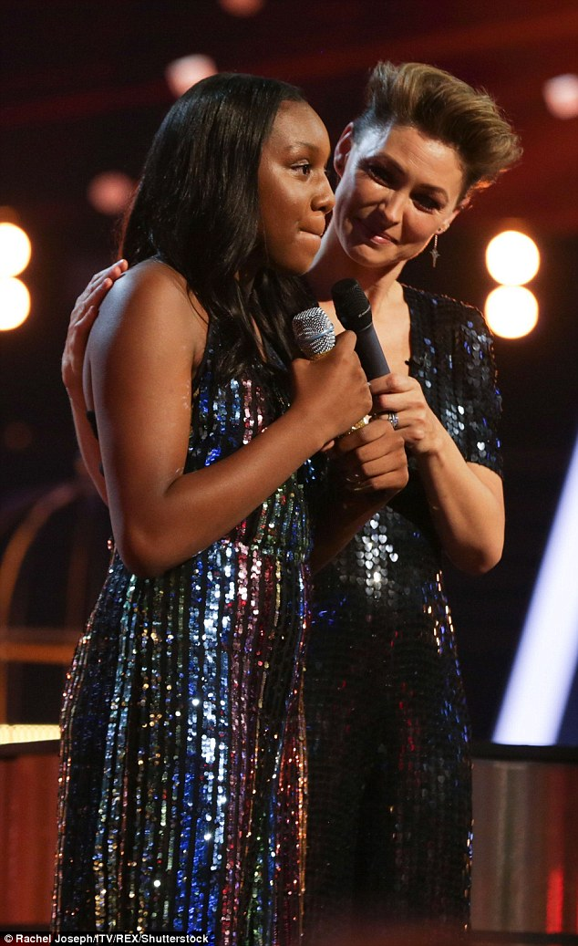 What do you think? She offered Sienna-Leigh her microphone so she could answer the judges