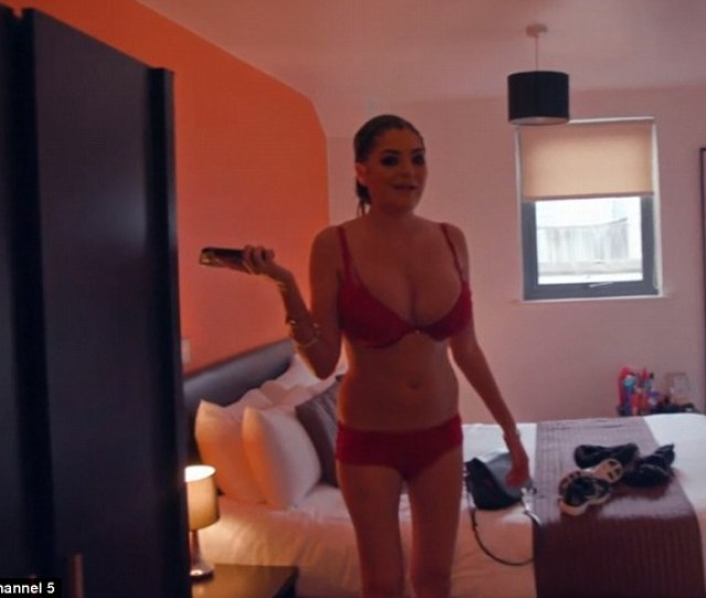 Call Girl Kat From Manchester Pictured Clad In Lingerie In Her Flat Said