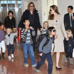 Angelina Jolie accuse Brad of not paying child support