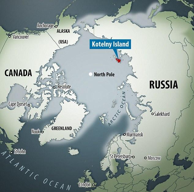 La carcasse n'est visible qu'à marée basse sur l'île de Kotelny, en Russie, entre les mers de Laptev et de Sibérie orientale