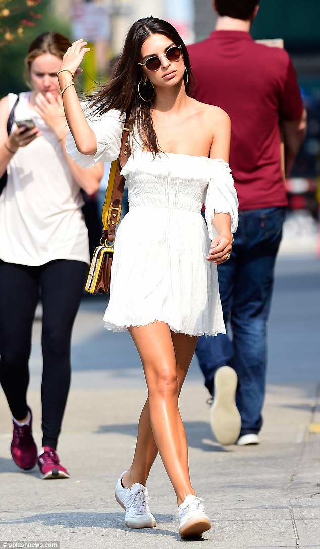 Emily Ratajkowski Flaunts Her Lean Physique While Out And